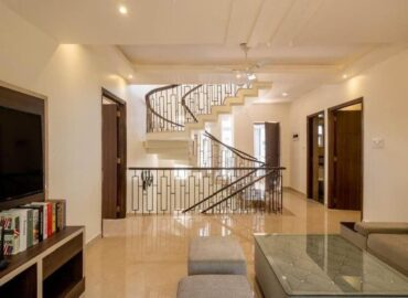 Independent House/Plot & Floors for Sale in Sector 14 Faridabad.
